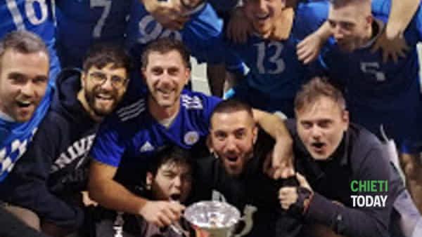 """i vincitori del torneo amatoriale di calcio a 5 """"minervello""""-2"""