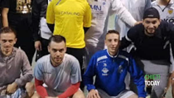"""i vincitori del torneo amatoriale di calcio a 5 """"minervello""""-4"""