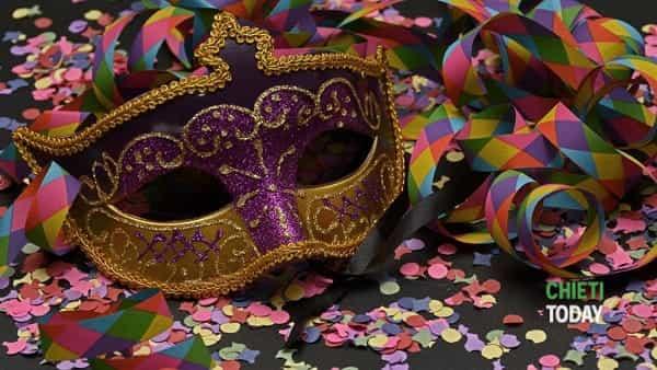Supporter Carnival: festa di Carnevale al foyer del teatro Fenaroli