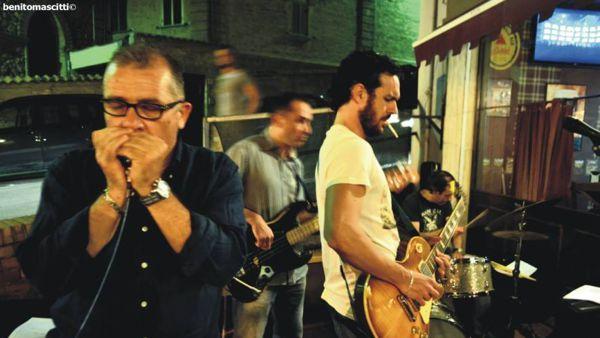 BLUE.S.HOT. a Villalfonsina venerdì 18 luglio