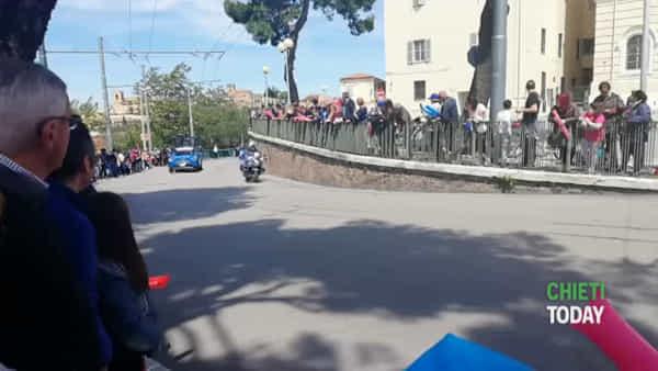 VIDEO | Passa il Giro d'Italia a Chieti: l'entusiasmo degli appassionati
