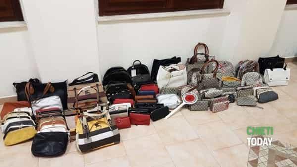 2f7fe16fc6 Lotta alla contraffazione: sequestrati più di 1.300 costumi di false ...