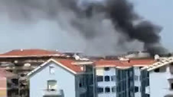 VIDEO|Incendio a Chieti scalo: distrutto sottotetto di un palazzo